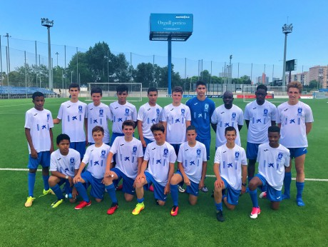 Soccer_camp_for_juniors_in_Barcelona_Spain