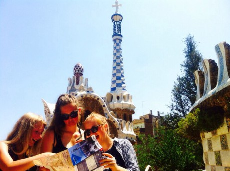 Barcelona-school-tour-with-language-classes-park-guell-visit