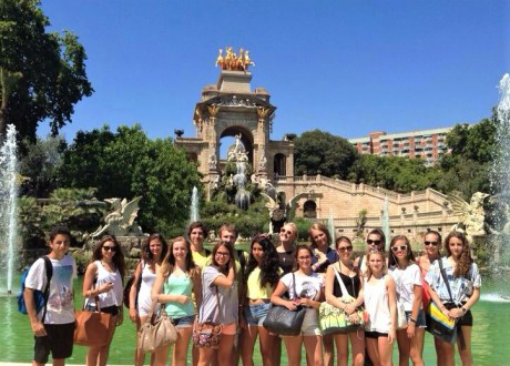 Educational_school_tour_to_Bacelona_Ciudadela_Park_GALA_INTERNACIONAL