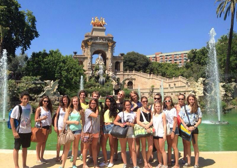 Educational_school_tour_to_Bacelona_Ciudadela_Park_with_GALA_INTERNACIONAL