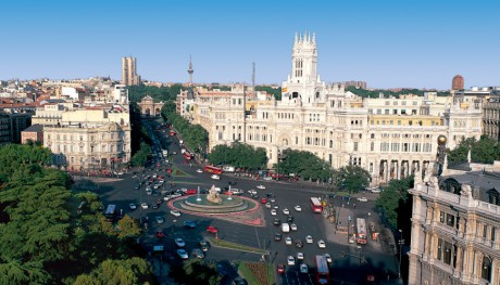 School-tour-to-Madrid-Cibeles-square