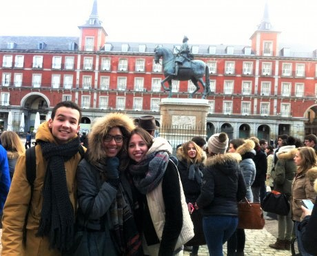 School_trip_in_Madrid_Plaza_Mayor-460x372