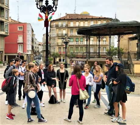 school-group-trip-to-northern-spain-guided-visit-of-Haro-in-La-Rioja-region