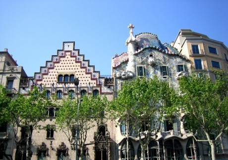 school-tour-to-barcelona-modernist-architecture