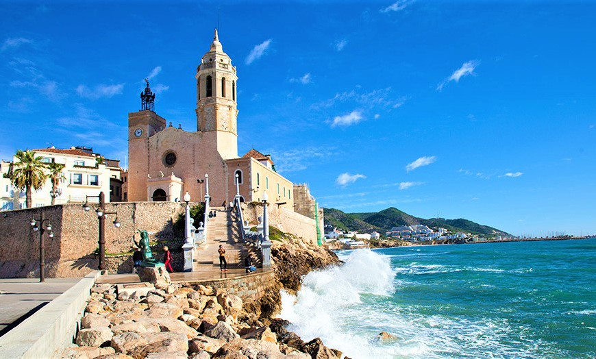 school-trips-to-barcelona-region-sitges-panorama