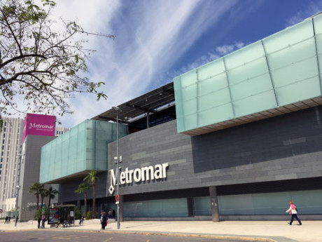 shopping-centre-in-Mairena-Seville-host-family-centre-for-groups-of-spanish-language-students