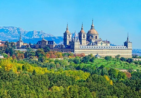 school-tour-to-spain-view-of-el-escorial-palace
