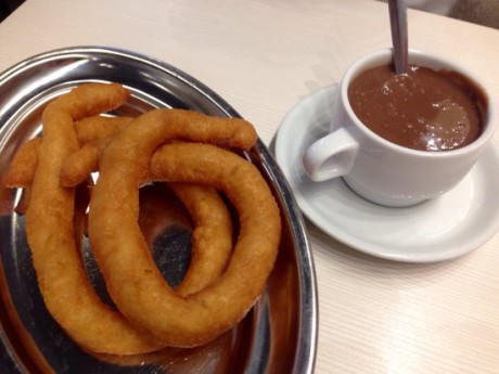 we-organise-school-trips-to-malaga-hot-chocolate-with-churros